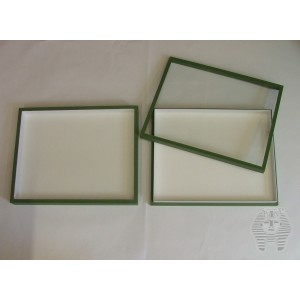 https://www.entosphinx.cz/1047-3078-thickbox/67-entomological-box-30x40x54-cm-without-filling-for-carton-unit-system-glass-lid-green.jpg